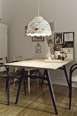 Lampa GM 30 (Menu), design Grethe Meyer,  v. 12 cm, Ø 15 cm,  cena 5312 Kč,  v. 21 cm, Ø 30 cm,  cena 11660 Kč,  www.utilitydesign.co.uk.