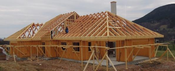 Výstavbu rodinných domů realizuje společnost po celém území České republiky. Staví domy na klíč nebo vjakémkoli stádiu rozpracovanosti dle uvážení investora.