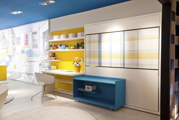 Sklopné postele šetří místo auvolňují plochu nahraní. Naukázku jsme vybrali sestavu Lollisoft italské společnosti Clei.