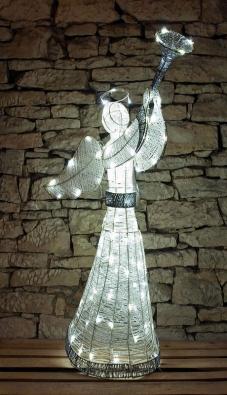 Vánoční anděl je impozantním doplňkem vánoční výzdoby. Anděl měří 122 cm a díky vysoké ochraně krytí (IP44) může být umístěn v exteriéru. Stane se ale i krásnou ozdobou vánočního interiéru (www.decoled.cz).