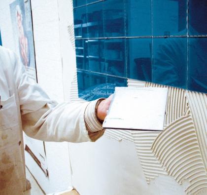 Ceresit a moderní obkladové materiály dají vaší koupelně krásu i praktičnost.