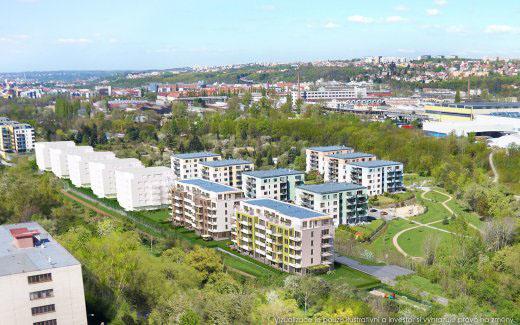 Předzahrádka místo rodinného domku – trend bydlení v Praze