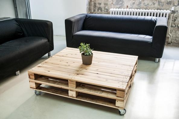 Nízký konferencní stolek Taka z japonského cedru.