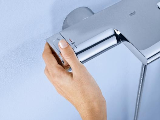 Vanové, sprchové aumyvadlové termostatické baterie Grohe jsou opatřeny speciální pojistkou proti opaření. Baterie řady Grohe Red je vybavena pojistkou proti nechtěnému spuštění vařicí vody, www.grohe.com