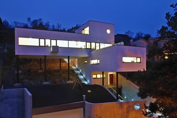 1. místo obdržel dům se soutěžním kódem I22, autorem návrhu je Ing.Vladimír Hipper.