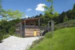 Zaatmosféru stavby ajejího sepětí skrásnou přírodou porota ocenila dům se soutěžním kódem I42, který navrhl Ing.arch. Pavel Horák.