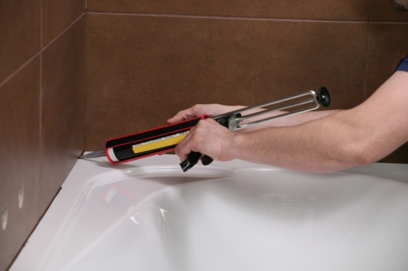 Ceresit silikon v koupelně