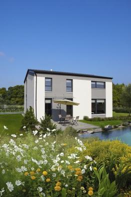 První vzorové domy vNehvizdech  uPrahy realizovala společnost Canaba montovanou technologií zmasivních dílců.