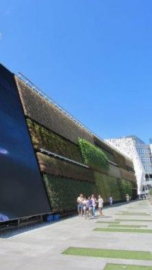 Izraelský pavilon se zelenou fasádou