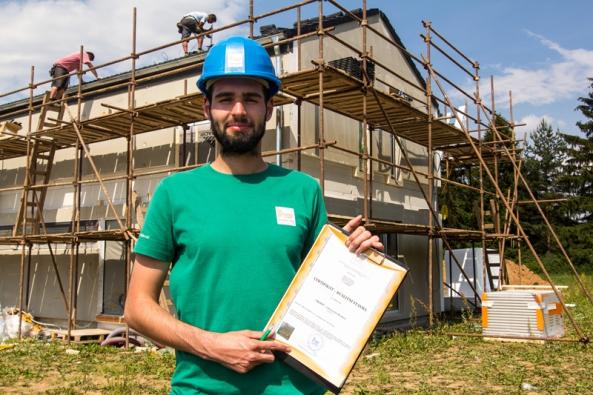 Auditor Dřevařského ústavu zkontroluje speciální metodikou právě vaší dřevostavbu.
