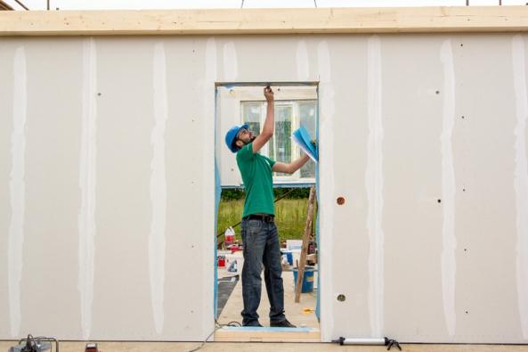 Kontrola vlhkosti dřevěných prvků zabudovaných do stavby.