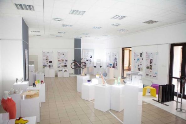 Výstava Mladí a úspěšní v Českém centru v Mnichově (ilustrační fotografie, zdroj: www.designcabinet.cz).