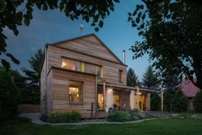 Pasivní domy, rekonstrukce i základní škola