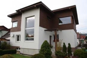 Architekti a majitelé domů si našli cestu k designovým omítkám