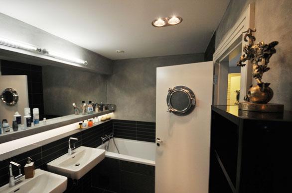 Koupelna s industriálními prvky