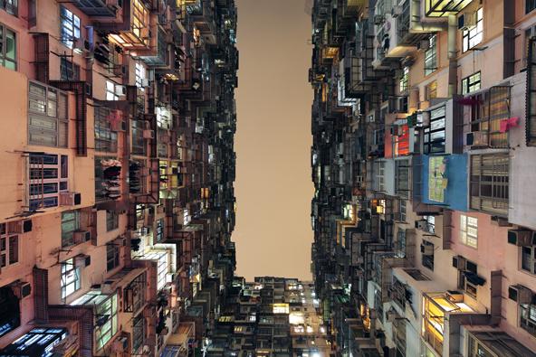 Soutěžilo se ve čtyřech kategoriích: Exteriér, Interiér, Duch místa a Praktické využití budov. Porota podle zadání posuzovala, nakolik srozumitelně a pochopitelně se autorům fotografií podařilo převést sofistikovanost architektury do dvou rozměrů. (Tan Lingfrei / Public Housing Development: Yick Cheong Building)