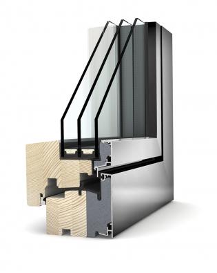 Dřevohliníkové okno HF 310 strojím zasklením: Uw až 0,62 W/m2K (INTERNORM).