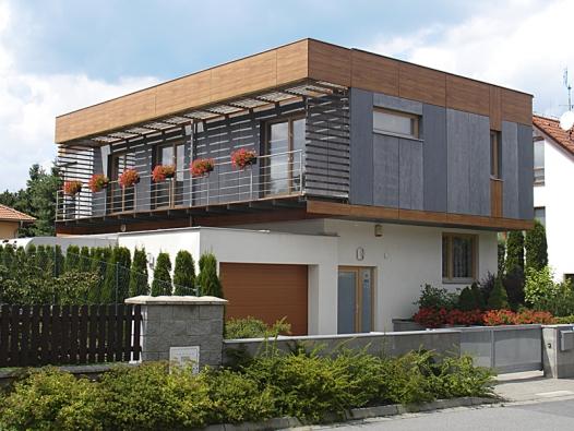 Krásné akultivované domy. Buď měly štěstí narozumný regulační plán nebo vznikly tak trochu navzdory (1).