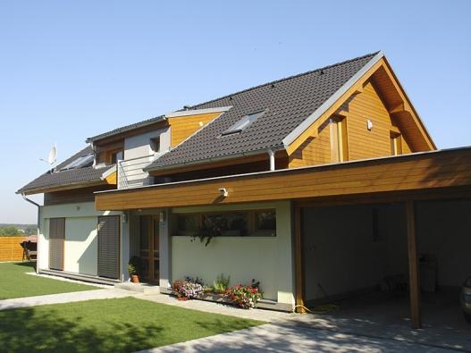4: Tyto domy nesou pečeť svrchovaného architektonického úsilí o kvalitní výsledek. Jsem přesvědčen, že jejich investoři nákladů na dobrý projekt nelitují, říká architekt Jan Rampich.