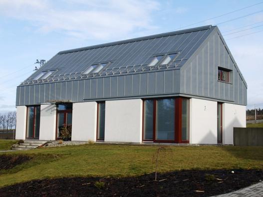 2: Tyto domy nesou pečeť svrchovaného architektonického úsilí o kvalitní výsledek. Jsem přesvědčen, že jejich investoři nákladů na dobrý projekt nelitují, říká architekt Jan Rampich.