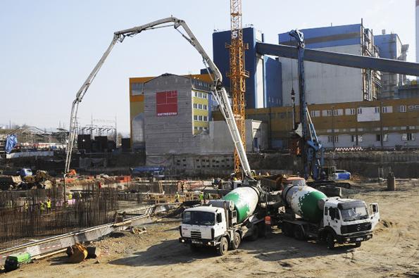 Čerpání betonu probíhá nejčastěji pomocí mobilních čerpadel na beton.
