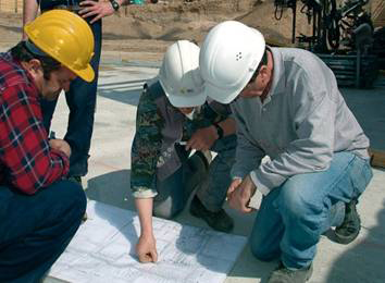 Nejsnadněji si beton opatříte v betonárně. Specializovaný výrobce jej namíchá v požadovaném množství, kvalitě a dodá až na stavbu ve smluvený den a hodinu.