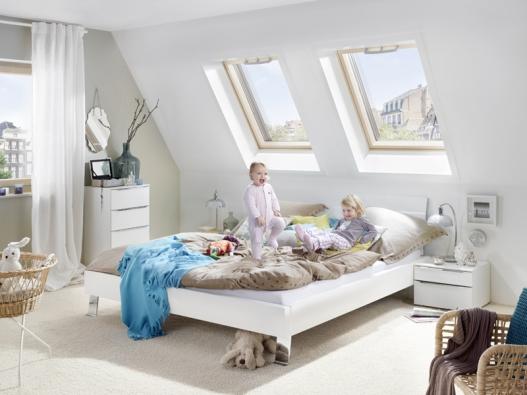 Při správném projektu však není důvod se střešních oken v nízkoenergetických stavbách obávat.
