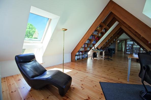 V nízkoenergetických domech se vytápění řeší velmi často bez použití radiátorů, například pomocí podlahového vytápění.