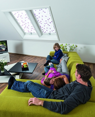 Skrz střešní okno se dostává do interiéru mnoho sálavého tepla, to může být výhodou i nevýhodou.