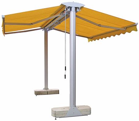 Konstrukčně jednodušší, nicméně stejně efektivní je krytí otevřeného prostoru avenkovního sezení pomocí látkového stínu naruční ovládání (Climax).