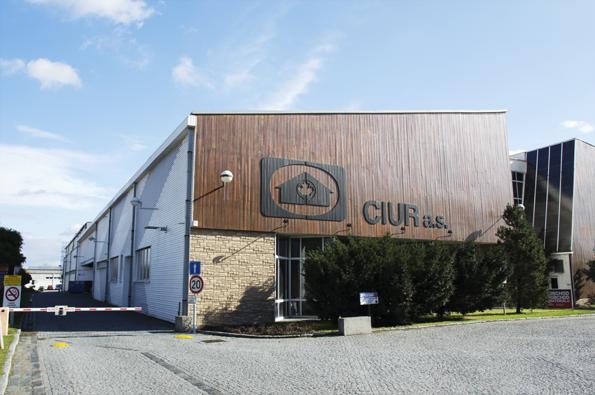 CIUR a.s., rodinná firma dodávající systémy pro úspory energií, která vyváží své produkty do 26 zemí, letos slaví čtvrt století na českém trhu.