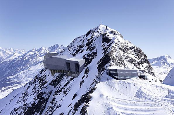 Dvojici výstav s názvy Constructive Alps 2015 a Built in Swiss Mountain můžete pražské Galerii Jaroslava Fragnera navštívit do 15. května 2016.