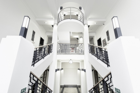 Ústav organické chemie a biochemie - historická budova (Foto: Archiv budovy)