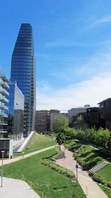 Porta Nuova, Miláno: Diamantová věž a vily