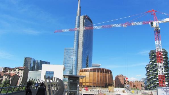 Porta Nuova, Miláno: Věž Unicredit