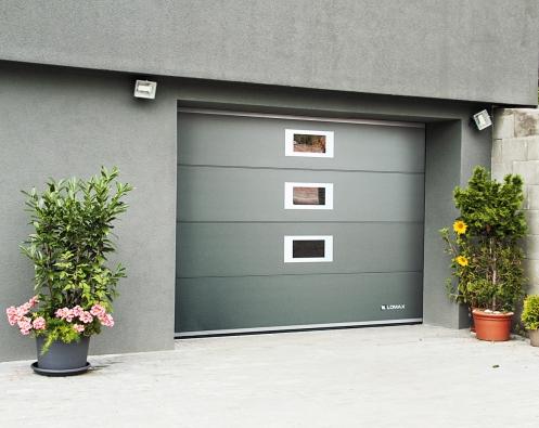 Sekční garážová vrata Delta patří mezi nejčastěji používaný typ garážových vrat (LOMAX)