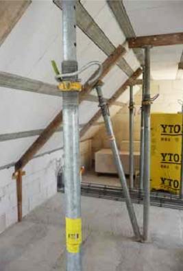 Jednoduchou střechu smontuje dvojice zručných pracovníků za tři dny. (YTONG)