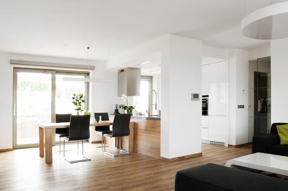 Rovněž interiéry, které navrhuje projektový ateliér Thermo plus, se vyznačují moderním designem, individualitou a nevtíravou elegancí.