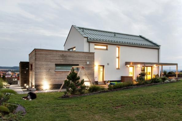 Energeticky pasivní typový dům Iveta upravený podle individuálních přání klientů získal titul Dům roku 2016.