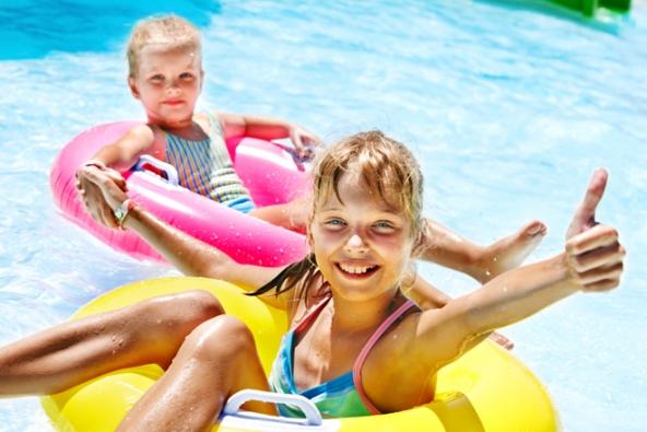 Vlastní bazén má spoustu výhod, ale jak to už v životě chodí, nic není zadarmo. O vodu v bazénu je totiž třeba se starat.
