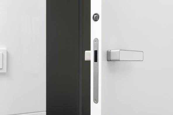 Dveře HANÁK doobkladu, provedení lak bílá, vysoký lesk - detail