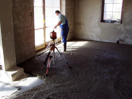 Nivelace, zpracování do požadované roviny (ČESKOMORAVSKÝ BETON)