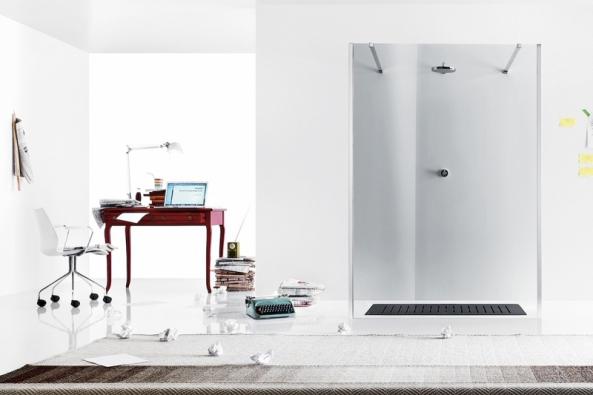 Sprchový kout zkolekce Walk-in, 6mm sklo súpravou proti usazování nečistot, dvě vzpěry vchromovém provedení, vyrábí Inda, cena 21102Kč (www.designbath.cz)