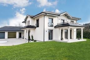 Akciová společnost Canaba, největší český dodavatel rodinných domů naklíč, představila nový ukázkový dům Rezidence Prestige. Tento projekt byl pro Canabu výzvou, aby dokázala, že iluxusní bydlení lze vytvořit rychle azaatraktivní cenu.
