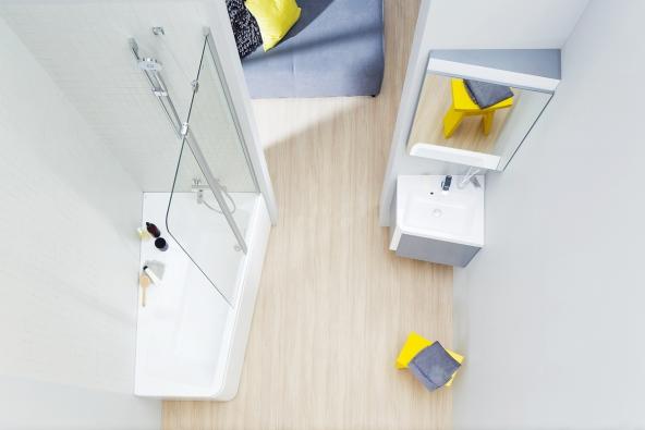 Koupelnový set 10°: Rohové umyvadlo díky pootočení umožňuje pohodlnější přístup.