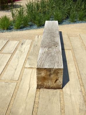 24.Životnost dřeva je poměrně krátká, jeho estetická hodnota je ale značná.