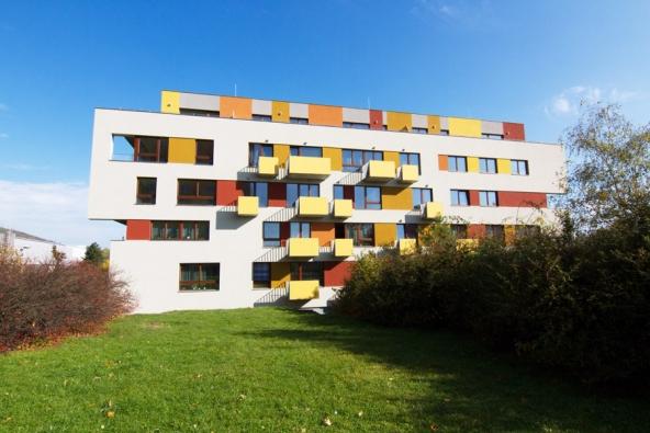 Bytový dům v Berouně, Košťálkova. Systém strojního zdění VAPIS QUADRO, nosné konstrukce tl. 200 resp. 240 mm