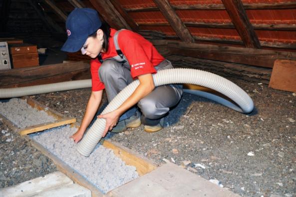 CIUR a.s., přední dodavatel tepelných a akustických izolačních materiálů a technického zabezpečení budov, představí letos na veletrhu FOR ARCH různé druhy foukaných izolací a jejich vlastnosti.