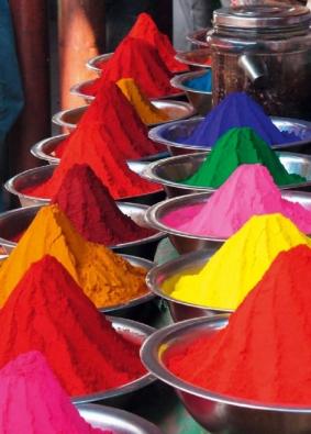 Barevné pigmenty, které tvoří výsledné zabarvení betonu (ČESKOMORAVSKÝ BETON)