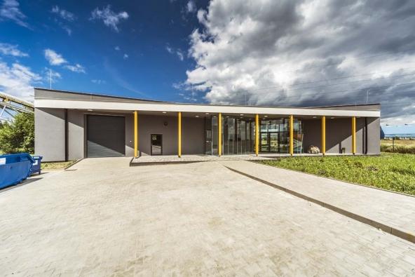 Společnost Rigips zahájila provoz celoroční školy suché výstavby. Kurzy sádrokartonu budou probíhat od konce října ve zbrusu nové školící budově v Horních Počaplech, kde se nachází také výrobního závod společnosti.